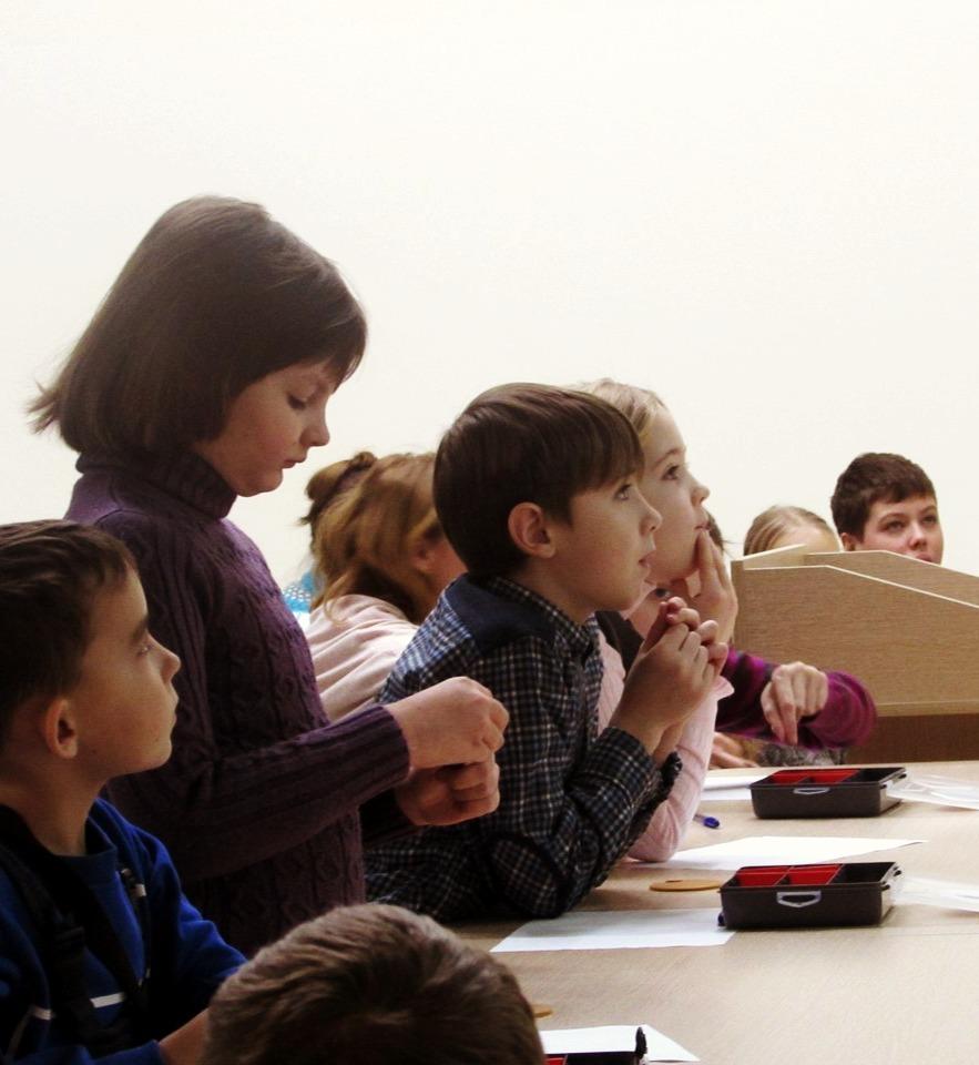 Занятия в центре РАЗУМ - Робототехника, лазерная резка, электроника, программирование для детей Омск
