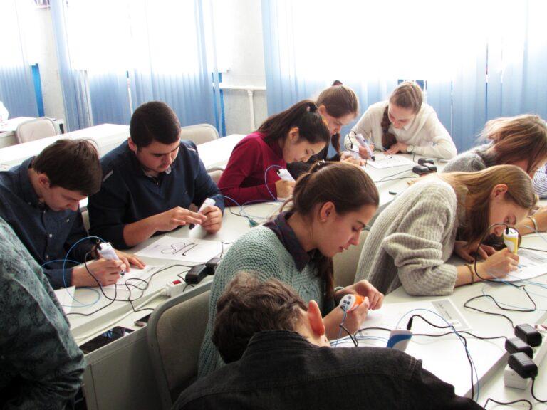ЦМИТ Разум Омск экскурсия в гимназию 69 робототехника моделирование